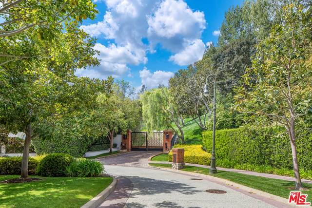 30 Beverly Park Ter, Beverly Hills, CA 90210 (MLS #21-729976) :: The John Jay Group - Bennion Deville Homes