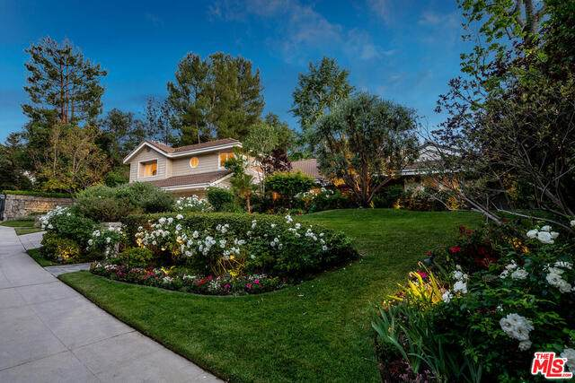 4019 Hayvenhurst Dr, Encino, CA 91436 (#21-730368) :: The Pratt Group