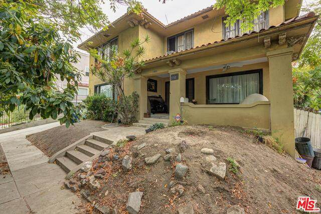 376 S Westmoreland Ave, Los Angeles, CA 90020 (#21-730548) :: Lydia Gable Realty Group