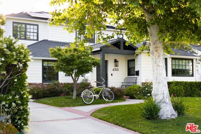 4313 Camellia Ave, Studio City, CA 91604 (#21-730740) :: The Pratt Group