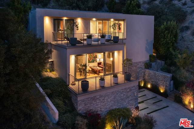 2756 Westshire Dr, Los Angeles, CA 90068 (#21-730974) :: Lydia Gable Realty Group