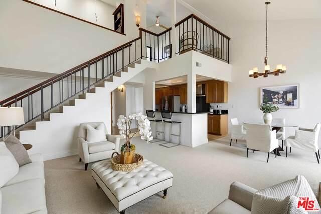 15515 Sunset Blvd #311, Pacific Palisades, CA 90272 (#21-730976) :: Berkshire Hathaway HomeServices California Properties