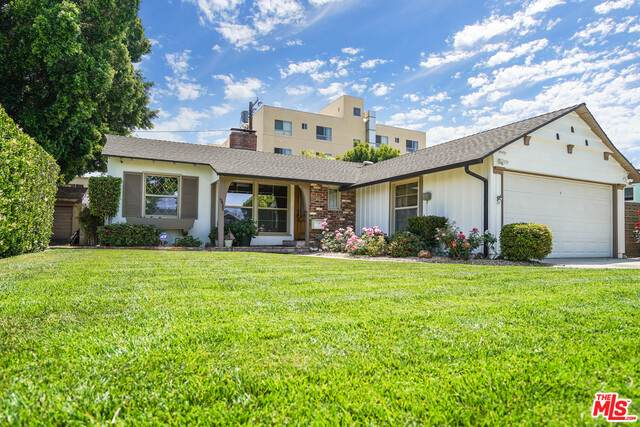 13420 Hartland St, Valley Glen, CA 91405 (#21-731232) :: Lydia Gable Realty Group