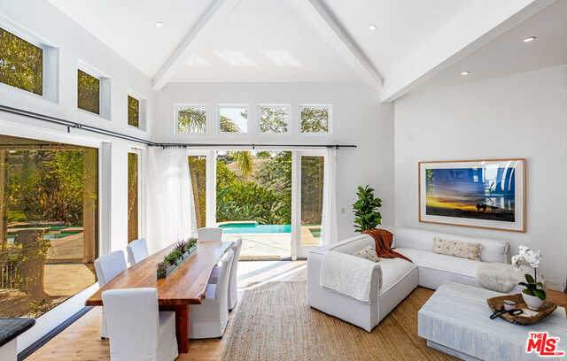6725 Portshead Rd, Malibu, CA 90265 (#21-731260) :: The Pratt Group