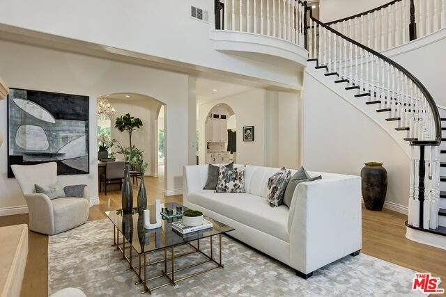 4729 Morella Ave, Valley Village, CA 91607 (MLS #21-731350) :: The John Jay Group - Bennion Deville Homes