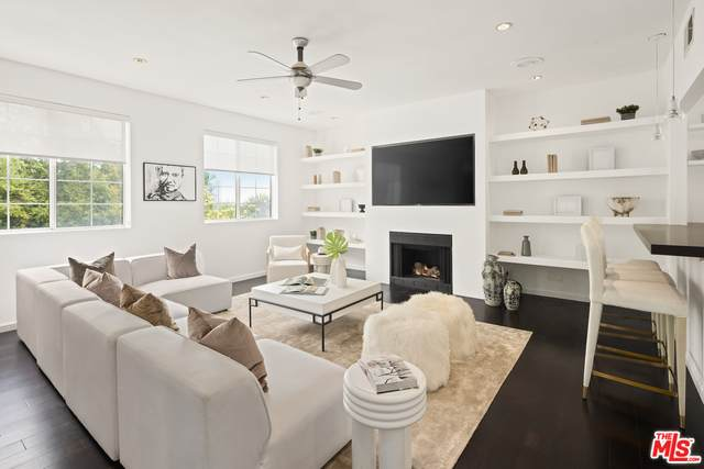 3440 Ione Dr, Los Angeles, CA 90068 (#21-731400) :: Lydia Gable Realty Group