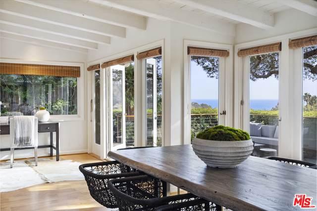 309 Sumac Ln, Santa Monica, CA 90402 (#21-731482) :: Berkshire Hathaway HomeServices California Properties