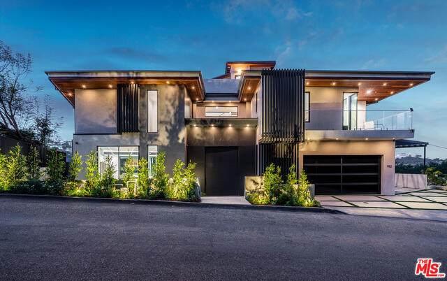 952 N Tigertail Rd, Los Angeles, CA 90049 (#21-731558) :: Berkshire Hathaway HomeServices California Properties