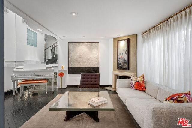 831 14Th St #2, Santa Monica, CA 90403 (#21-731650) :: Berkshire Hathaway HomeServices California Properties