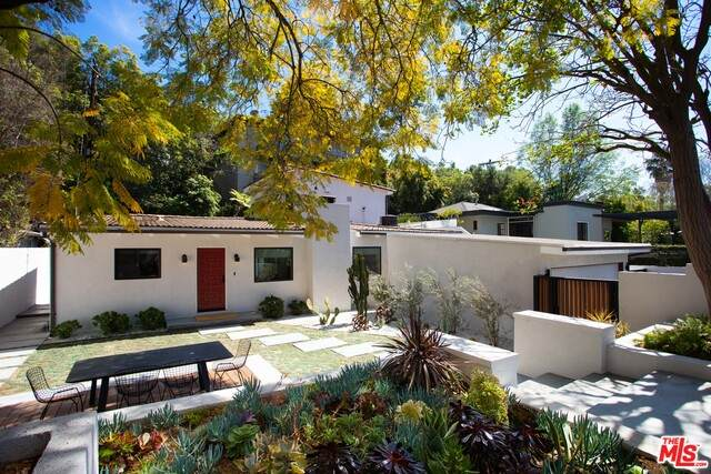 7556 Woodrow Wilson Dr, Los Angeles, CA 90046 (#21-732058) :: Lydia Gable Realty Group