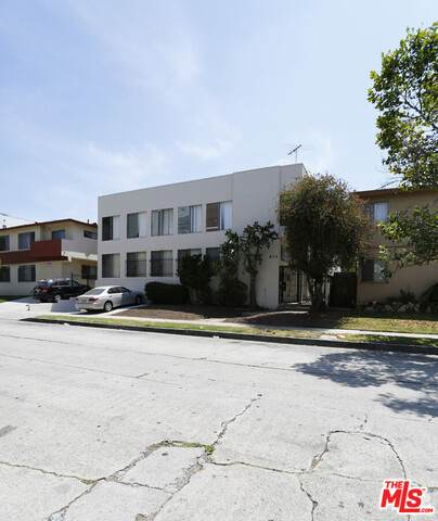 832 S Gramercy Pl, Los Angeles, CA 90005 (#21-732528) :: Lydia Gable Realty Group