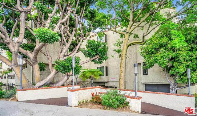 1900 Vine St #108, Los Angeles, CA 90068 (#21-733366) :: The Parsons Team