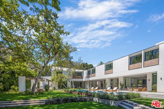 2500 Mandeville Canyon Rd, Los Angeles, CA 90049 (#21-734684) :: Compass