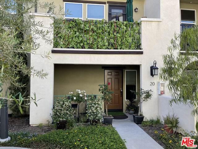 1530 W 1St St #20, Santa Ana, CA 92703 (#21-735358) :: Angelo Fierro Group | Compass
