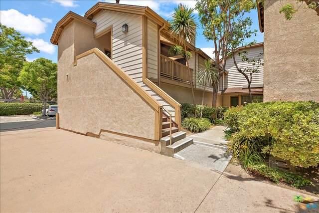 16211 Downey Ave #79, Paramount, CA 90723 (#21-736194) :: The Pratt Group