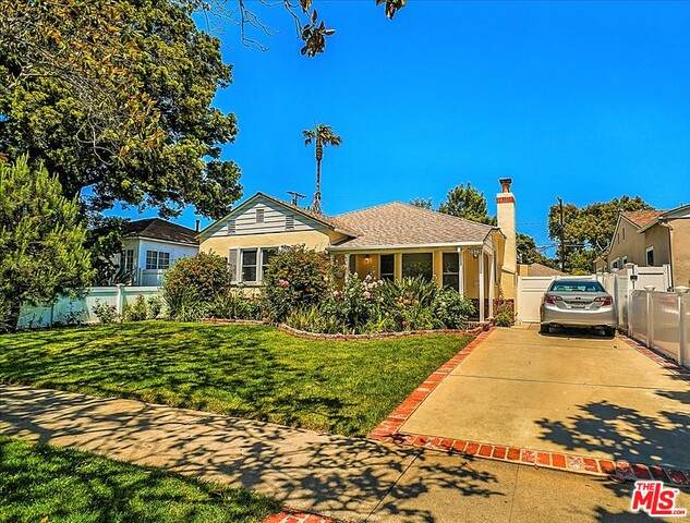 2572 Military Ave, Los Angeles, CA 90064 (#21-736392) :: TruLine Realty