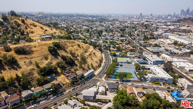 3510 Griffin Ave, Los Angeles, CA 90031 (#21-737006) :: Angelo Fierro Group | Compass