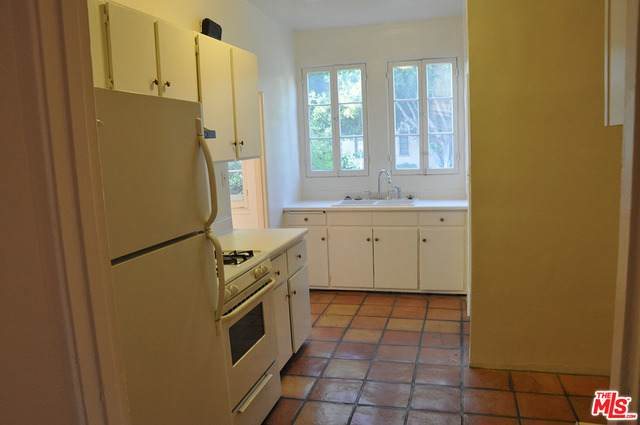 1500 Wooster St - Photo 1