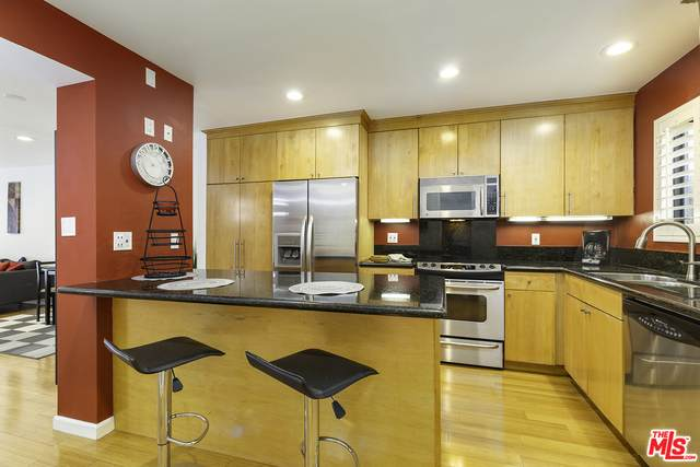 1900 Vine St #216, Los Angeles, CA 90068 (#21-738672) :: Lydia Gable Realty Group