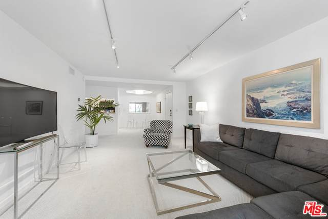 1230 Horn Ave #406, West Hollywood, CA 90069 (#21-738712) :: TruLine Realty