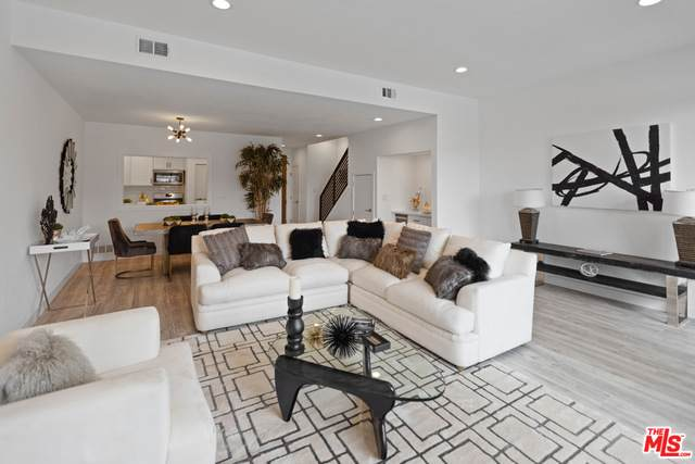 839 Larrabee St #6, West Hollywood, CA 90069 (#21-739728) :: Compass
