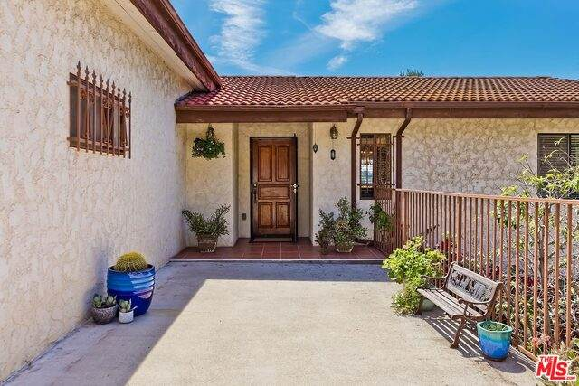 2750 Medlow Ave, Los Angeles, CA 90065 (#21-740646) :: Angelo Fierro Group | Compass