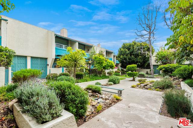4834 Mcconnell Ave, Los Angeles, CA 90066 (#21-742036) :: The Pratt Group
