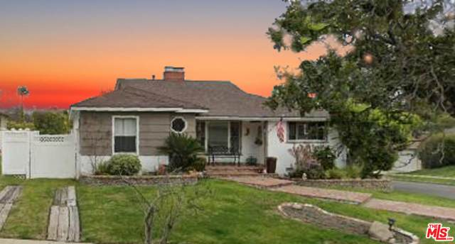 5851 Abernathy Dr, Los Angeles, CA 90045 (#21-743708) :: Montemayor & Associates
