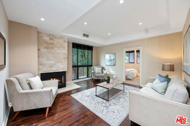 1132 S Doheny Dr #101, Los Angeles, CA 90035 (#21-744538) :: Lydia Gable Realty Group