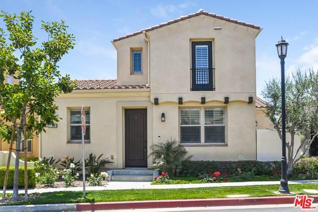 20206 Pienza Ln, Northridge, CA 91326 (#21-744988) :: Montemayor & Associates