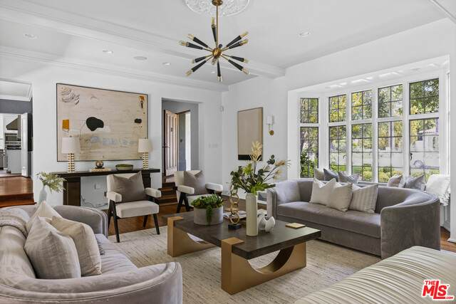 2341 Nottingham Ave, Los Angeles, CA 90027 (#21-745222) :: Montemayor & Associates