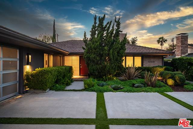 10881 Willowcrest Pl, Studio City, CA 91604 (#21-745524) :: Montemayor & Associates