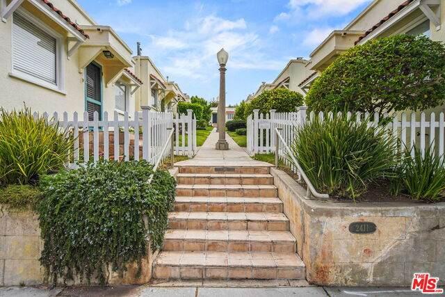2411 3Rd St G, Santa Monica, CA 90405 (#21-745562) :: Montemayor & Associates