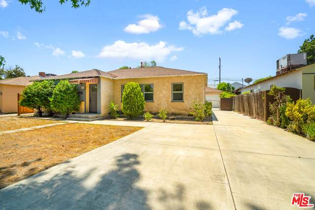 12548 Martha St, Valley Village, CA 91607 (#21-745686) :: Montemayor & Associates