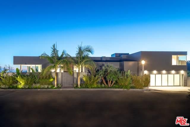 9400 Readcrest Dr, Beverly Hills, CA 90210 (#21-745816) :: Compass