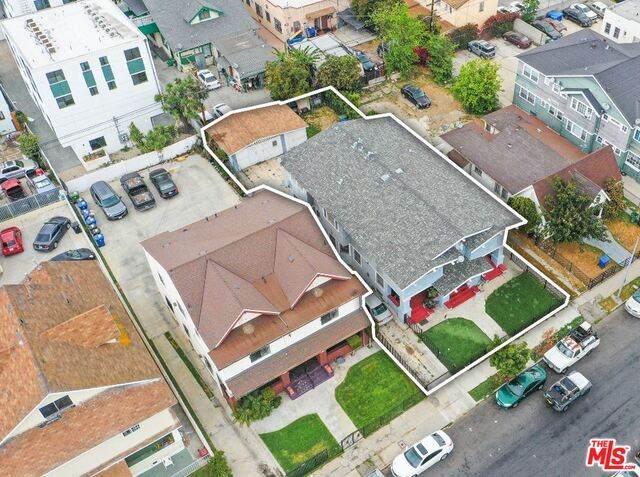 3021 Kenwood Ave - Photo 1