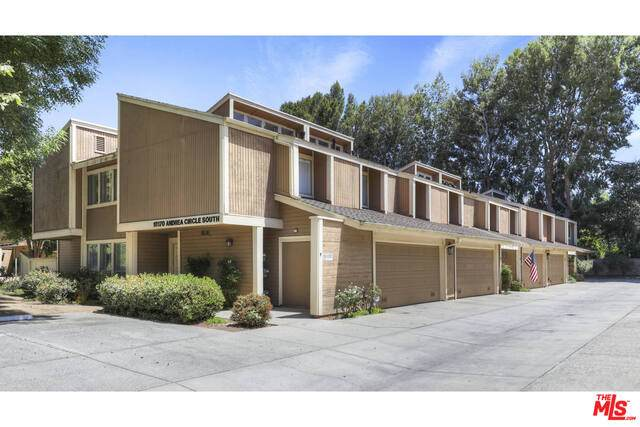 18170 S Andrea Cir #4, Northridge, CA 91325 (#21-746660) :: The Pratt Group