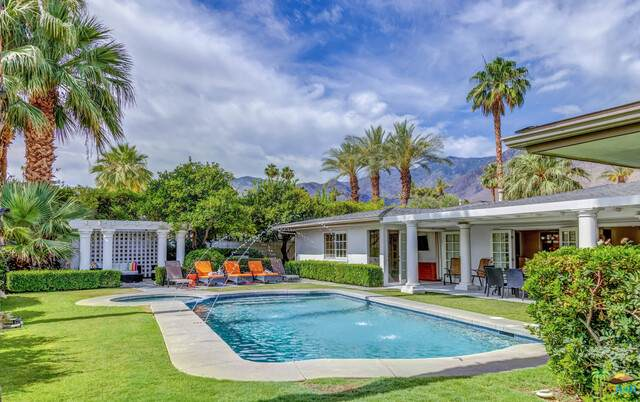 2462 S Yosemite Dr, Palm Springs, CA 92264 (#21-746780) :: Angelo Fierro Group | Compass