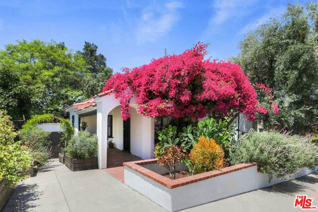 5065 Mount Helena Ave, Los Angeles, CA 90041 (#21-747262) :: Angelo Fierro Group | Compass