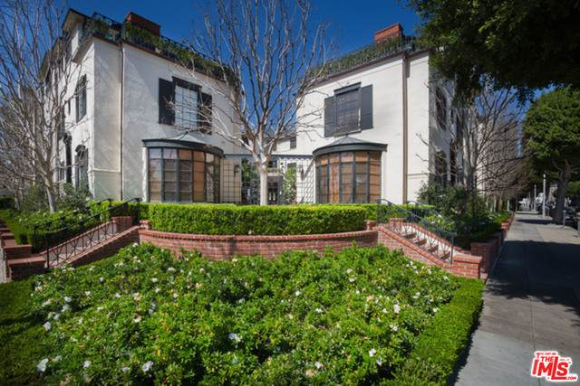 171 S Rodeo Dr, Beverly Hills, CA 90210 (MLS #21-747410) :: Mark Wise   Bennion Deville Homes