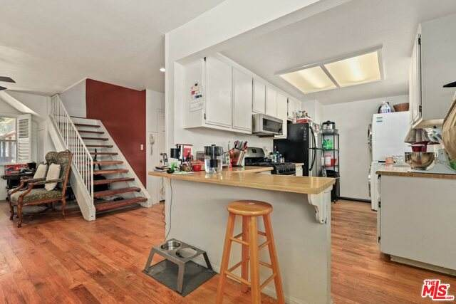 5834 Bowcroft St #1, Los Angeles, CA 90016 (#21-747424) :: Lydia Gable Realty Group