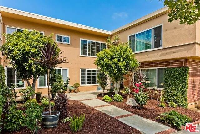 401 S Rodeo Dr, Beverly Hills, CA 90212 (#21-747498) :: Montemayor & Associates
