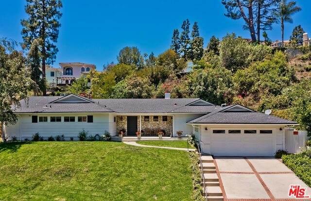 1217 Shadybrook Dr, Beverly Hills, CA 90210 (#21-747598) :: Montemayor & Associates