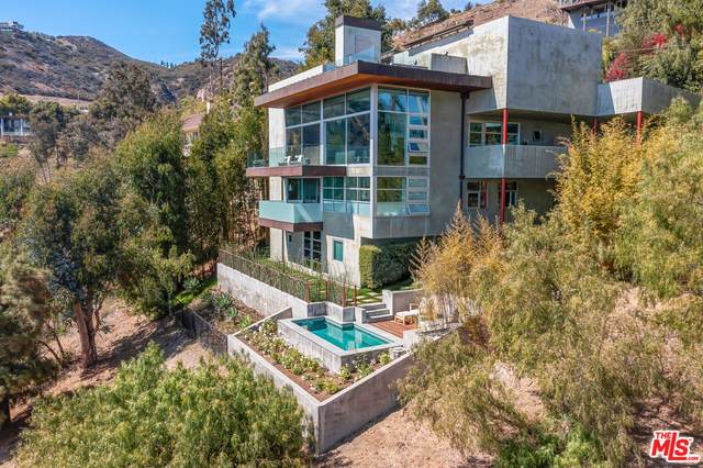 21826 Castlewood Dr, Malibu, CA 90265 (#21-747676) :: Berkshire Hathaway HomeServices California Properties