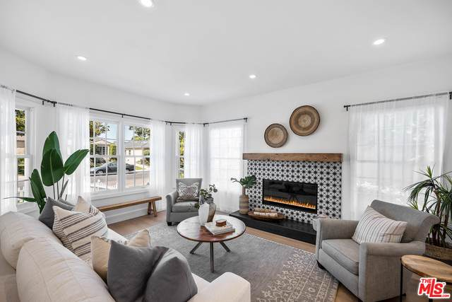 6372 W 81st St, Los Angeles, CA 90045 (#21-747790) :: Lydia Gable Realty Group