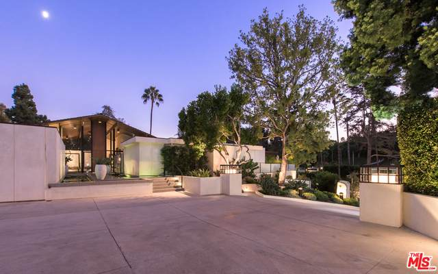 920 Foothill Rd, Beverly Hills, CA 90210 (#21-747928) :: Compass