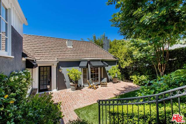 3156 Lindo St, Los Angeles, CA 90068 (#21-748074) :: Lydia Gable Realty Group