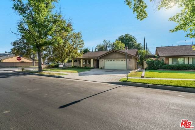 7631 Vicky Ave, West Hills, CA 91304 (#21-748170) :: Montemayor & Associates