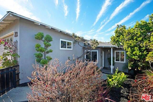 712 W 26Th St, San Pedro, CA 90731 (#21-748238) :: Montemayor & Associates