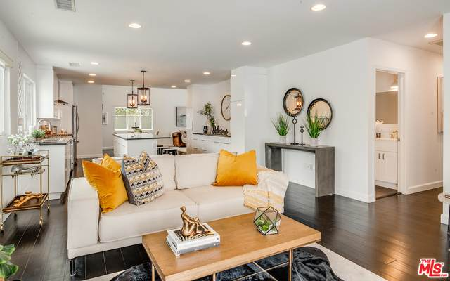 6021 W 76Th Pl, Los Angeles, CA 90045 (#21-748276) :: Lydia Gable Realty Group